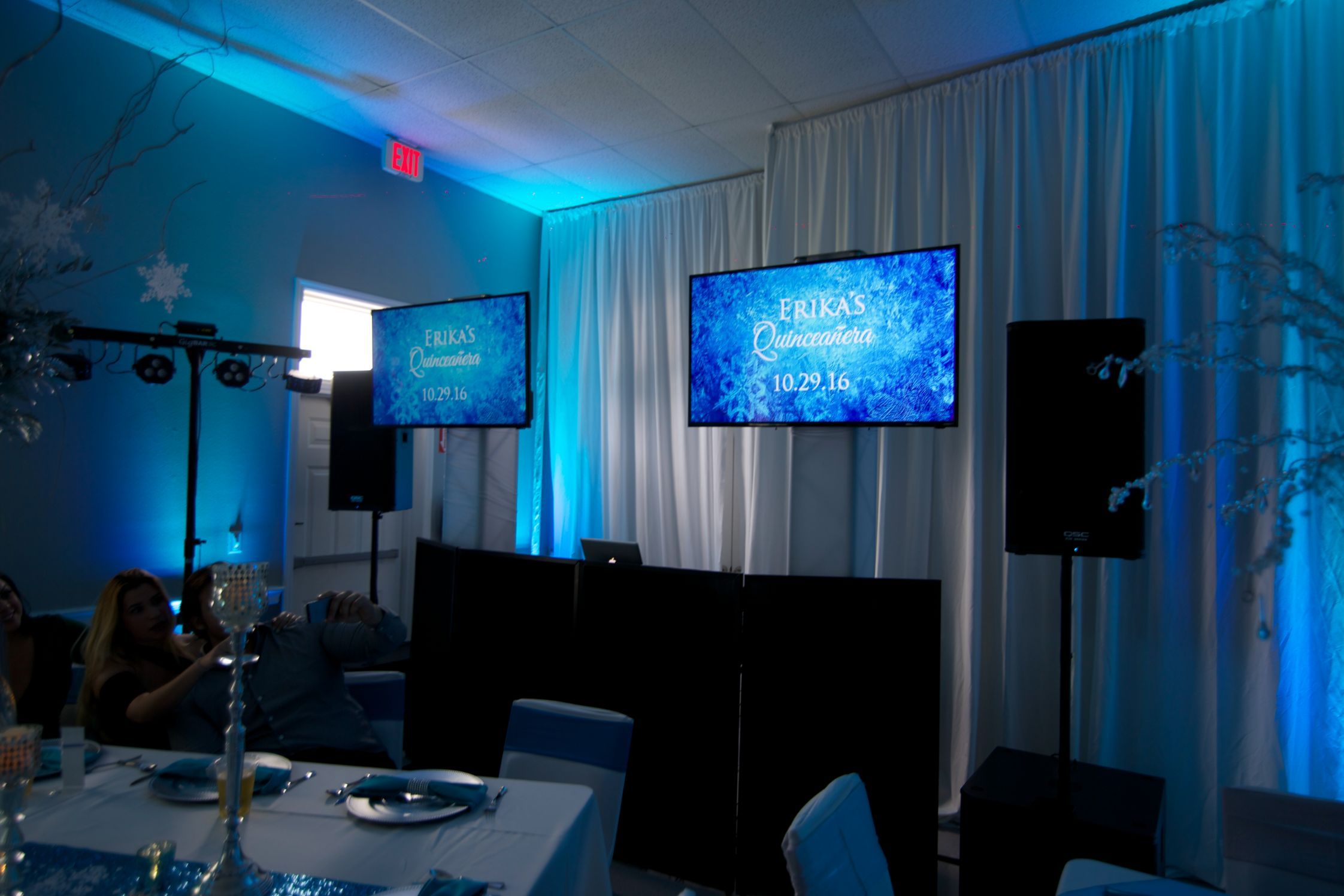 dual tv screens xclusive deejays winter springs florida wedding dj lighting photo booth entertainment